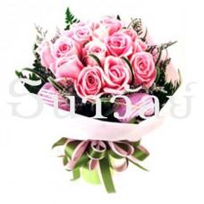 Bouquet of 12 short stemmed pink roses ช่อกลมกุหลาบชมพู 12 ดอก